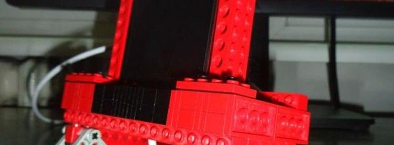 Build Your Own Charging Dock from Lego Bricks