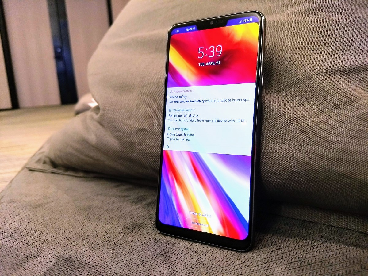 LG G7 ThinQ Hands-on: Super Bright, Loud, and AI-powered