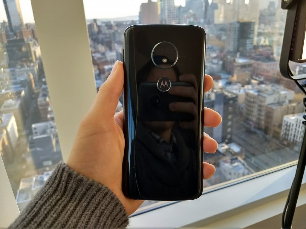 Moto G6 Play update adds one-button nav, Digital Wellbeing, and June 2019 patches