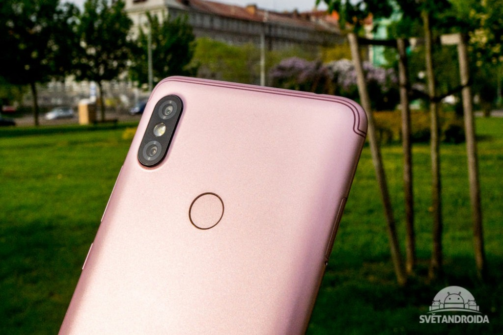 Xiaomi Redmi S2 leaks in live photos and hands-on video