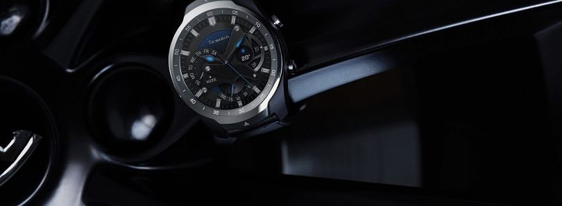 TicWatch Pro has a layered display and up to 30 days of battery life
