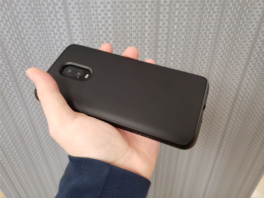 the best attitude 99e99 c68ec Hands-on with RhinoShield CrashGuard and SolidSuit for OnePlus 6T ...