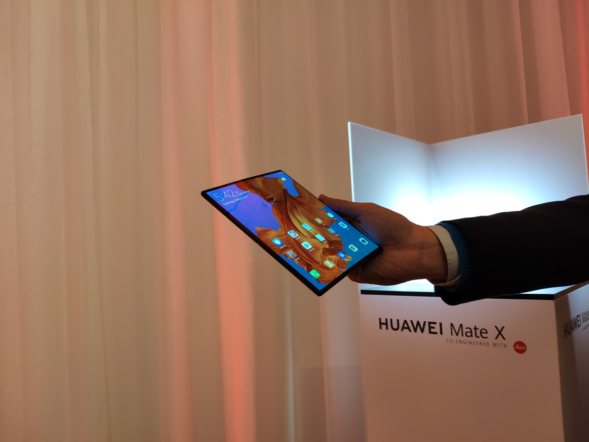 The Huawei Mate X 5G Foldable Smartphone Has Been Announced