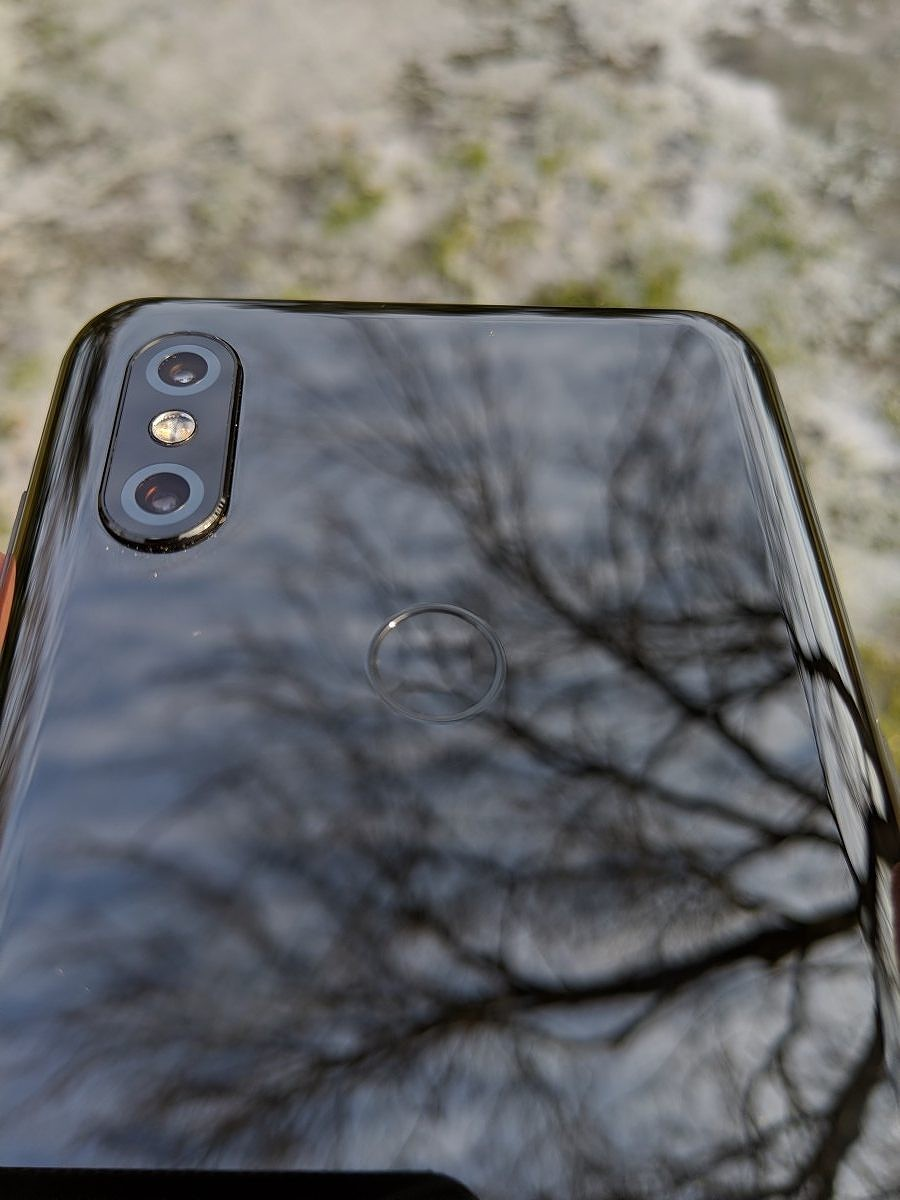 e09f7e432b The front of the Xiaomi Mi Mix 3 can only be described as futuristic. There  are no display hole cameras or huge notch cutouts. The Mi Mix 3 has a very  slim ...