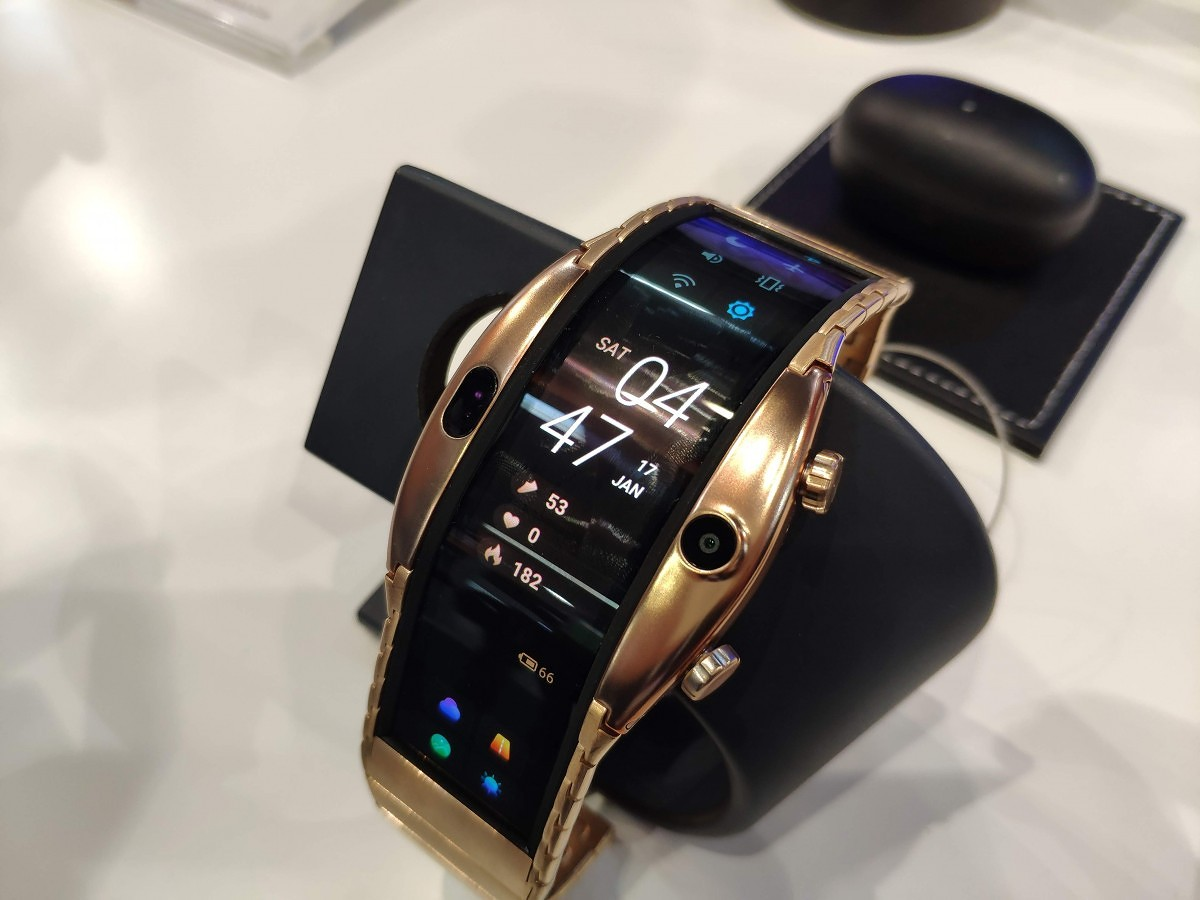 1ed9cc188 The Nubia Alpha is a smartwatch pretending to be a smartphone