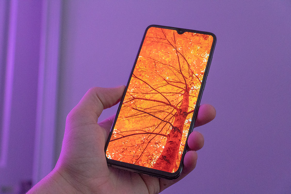 Win a Xiaomi Mi 9 [Open to All Countries]