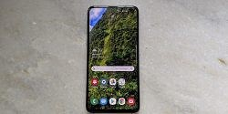 Samsung Galaxy S10e Review (Exynos): A Refreshingly Small Flagship with a Great User Experience