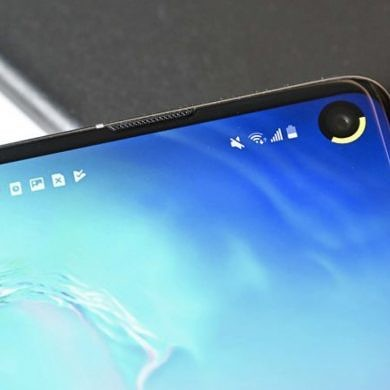 Battery Ring and ARC Lighting are two new apps to turn the Samsung Galaxy S10's hole punch into a battery indicator or notification light