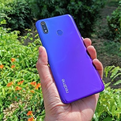 Realme 3 Pro gets new quick settings icons, SOT tracker, Digital Wellbeing, and September security patches
