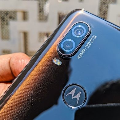 Motorola starts rolling out Android 10 to the Motorola One Vision