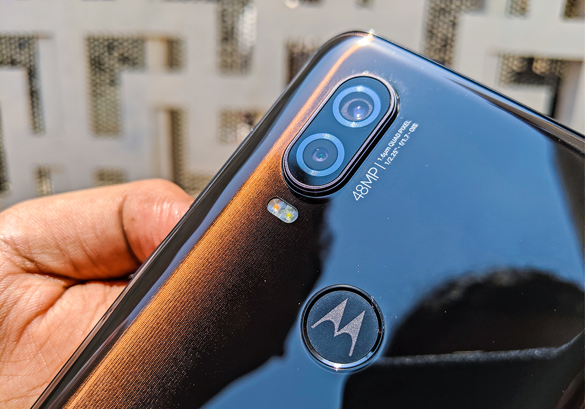 Motorola One Vision Hands-on: 21:9 display is promising but not