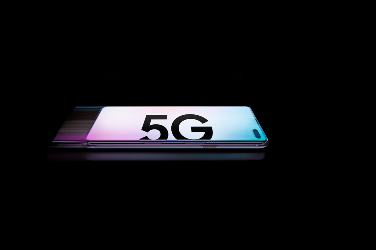 The premium smartphone market declined in Q1 2019, but