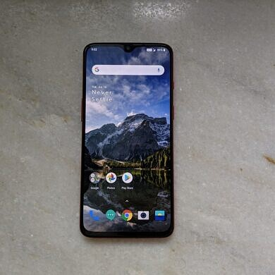 New OxygenOS updates for the OnePlus 7 & 7 Pro bring November 2020 security patches