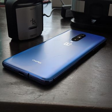 OnePlus 7 Pro Display Review — Finally Flagship Quality