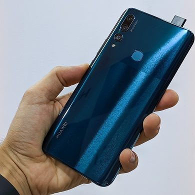 Huawei Y9 Prime Hands-on: Affordable Pop-Up Eye Candy