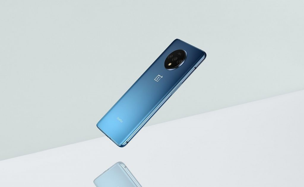 OnePlus unveils the smooth matte glass design of the OnePlus 7T