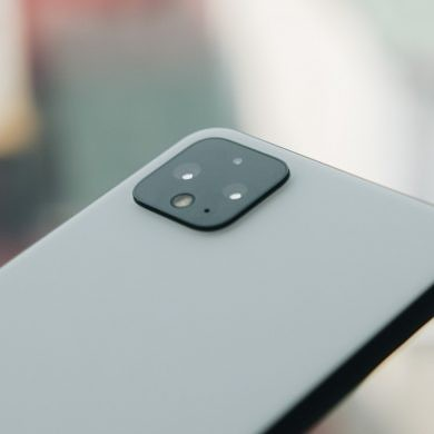 Google extends Pixel 4 XL warranty by 1 year for power and charging issues