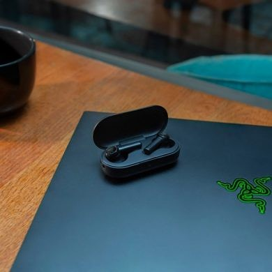 Razer unveils the Hammerhead True Wireless Earbuds and the Junglecat Gaming Controller