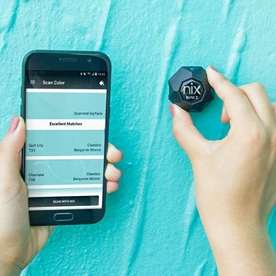 This Pocket Sensor Helps You Match Colors From the Real World