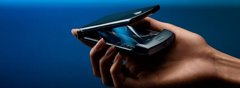 [Update 2: On Sale February 6th] Motorola reboots the Razr with a vertically folding display