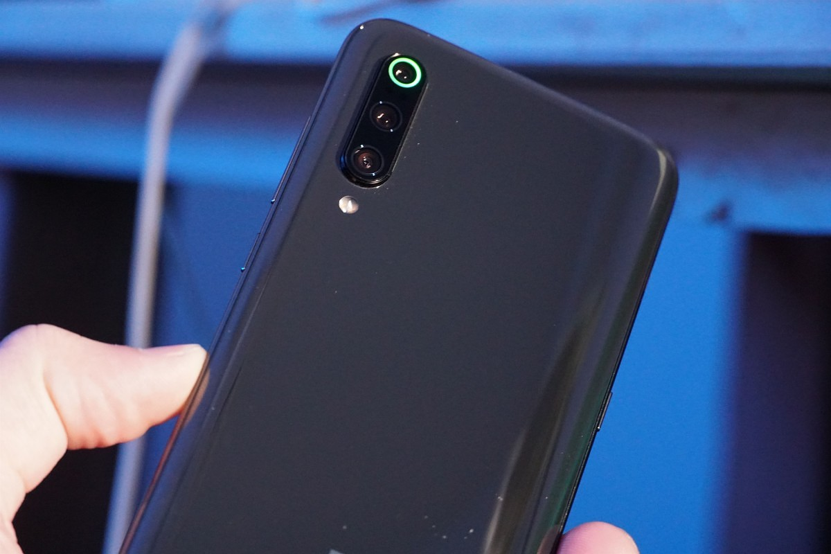 QnA VBage Android Q-based MIUI leaks for the Xiaomi Mi 9 – First Look