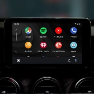 Android Auto 5.8 prepares to let you change the wallpaper and tests Google Assistant shortcuts