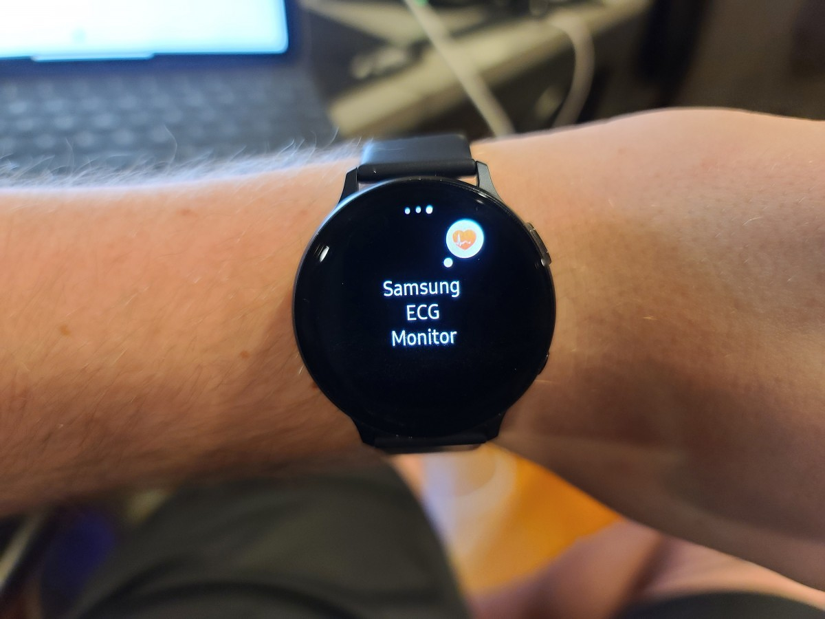 Samsung's Galaxy Watch Active 2 gets cleared for ECG monitoring by South Korea - XDA Developers