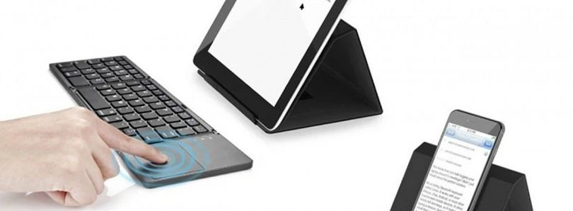 This Foldable Bluetooth Keyboard Helps You Stay Productive on the Move