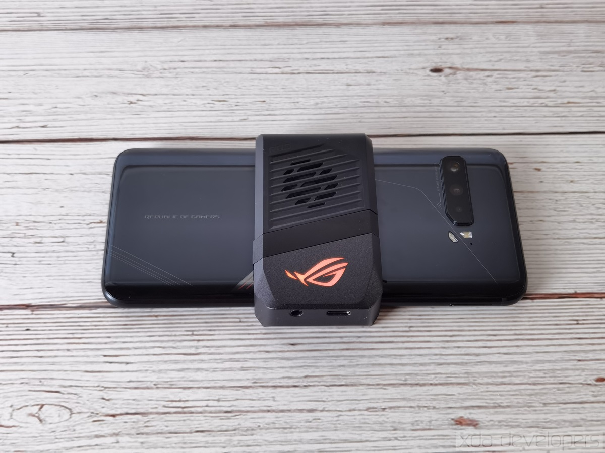 AeroActive Cooler 3 on the ASUS ROG Phone 3