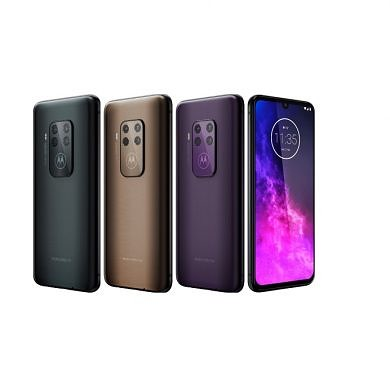Motorola One Zoom and Moto G8 Plus get Android 10 soak test updates in Brazil