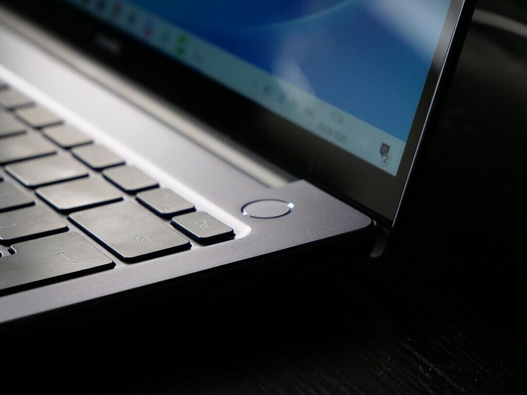 fingerprint sensor on the huawei matebook 14