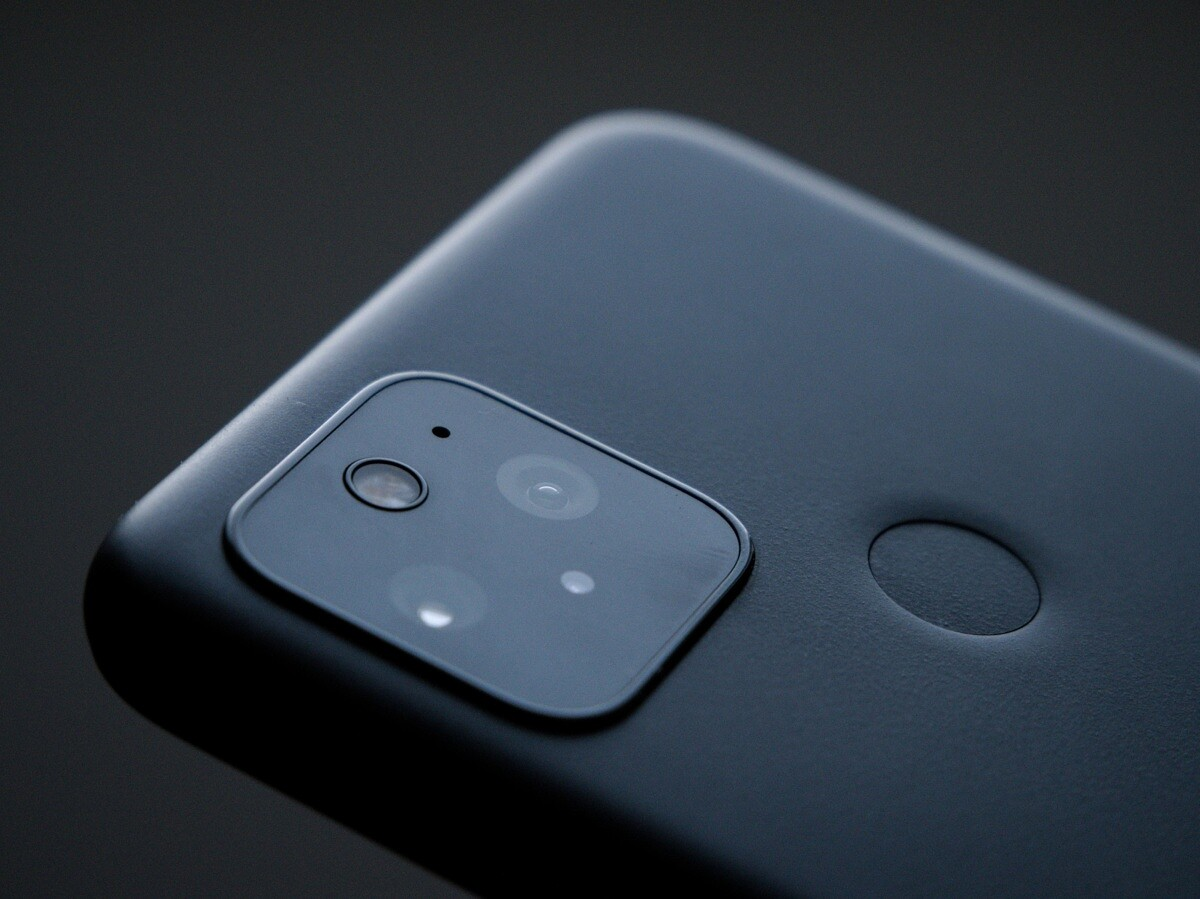 Save 200 On The Google Pixel 5 With Best Buy S Black Friday Sale