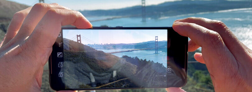 Sentons CameraBar uses ultrasound to turn your phone's frame into a zoom slider