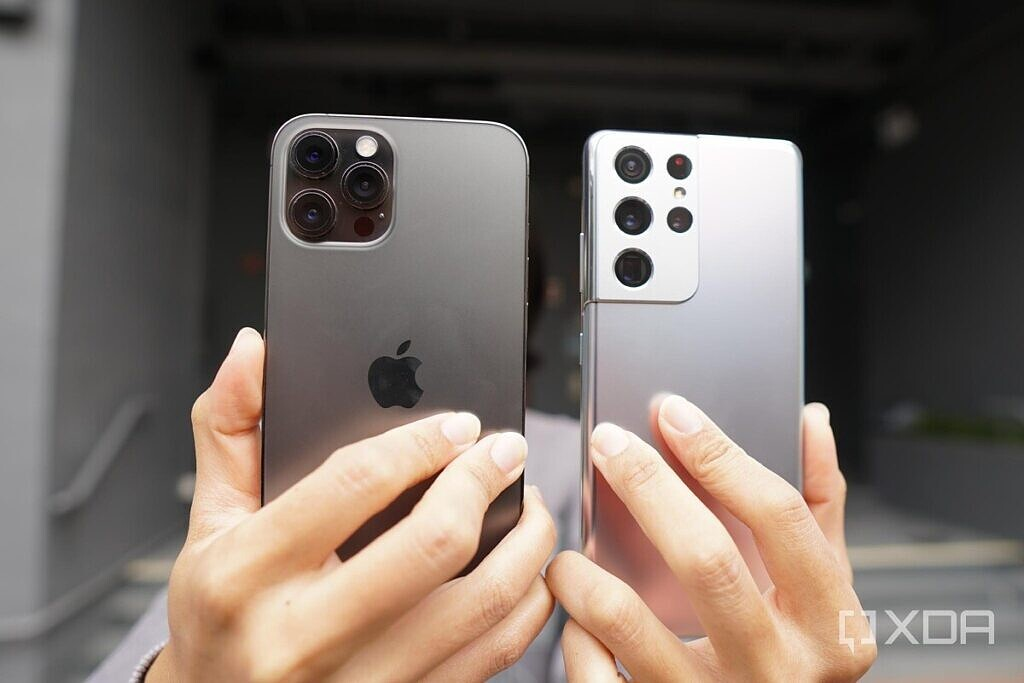 iPhone 12 Pro Max and Galaxy S21 Ultra