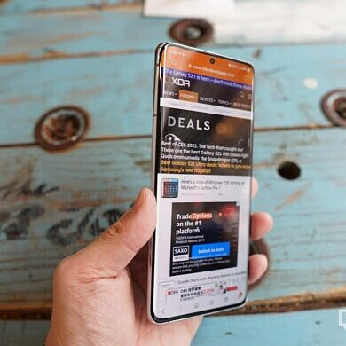 The Samsung Galaxy S21 series sees its first flat discount, and it's (still) a good one