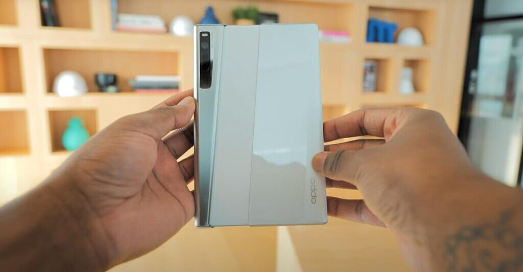 e Proktor's hands-on video of the OPPO X 2021