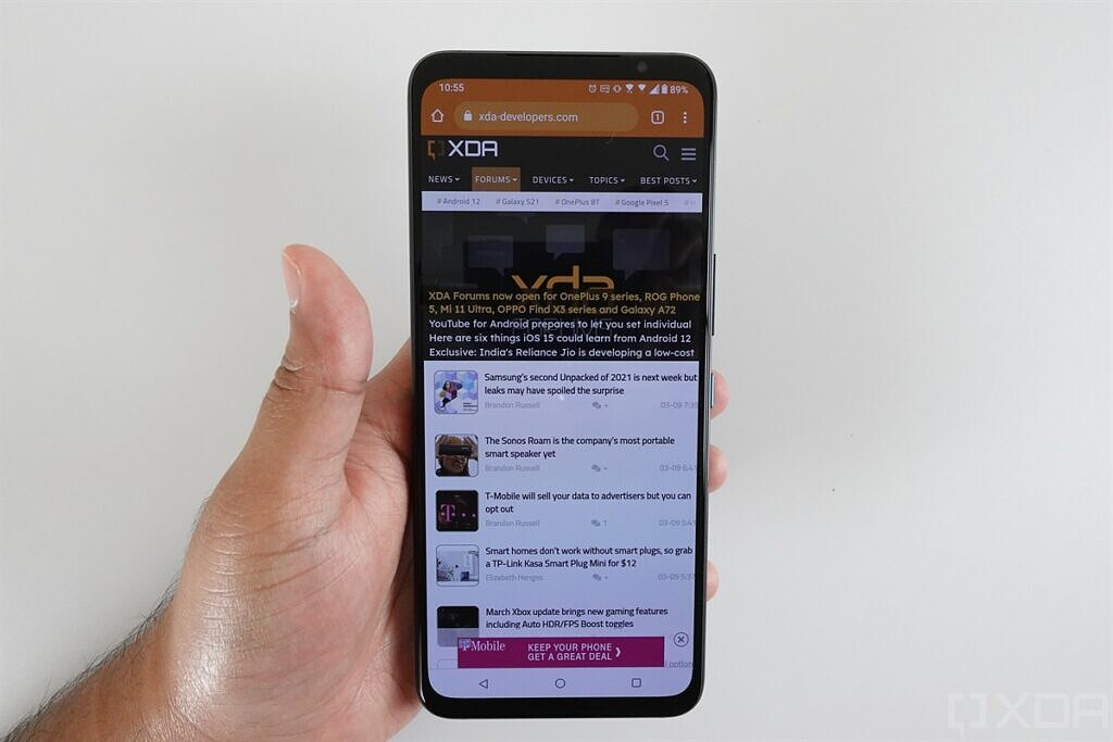 Notchless display on the ASUS ROG Phone 5