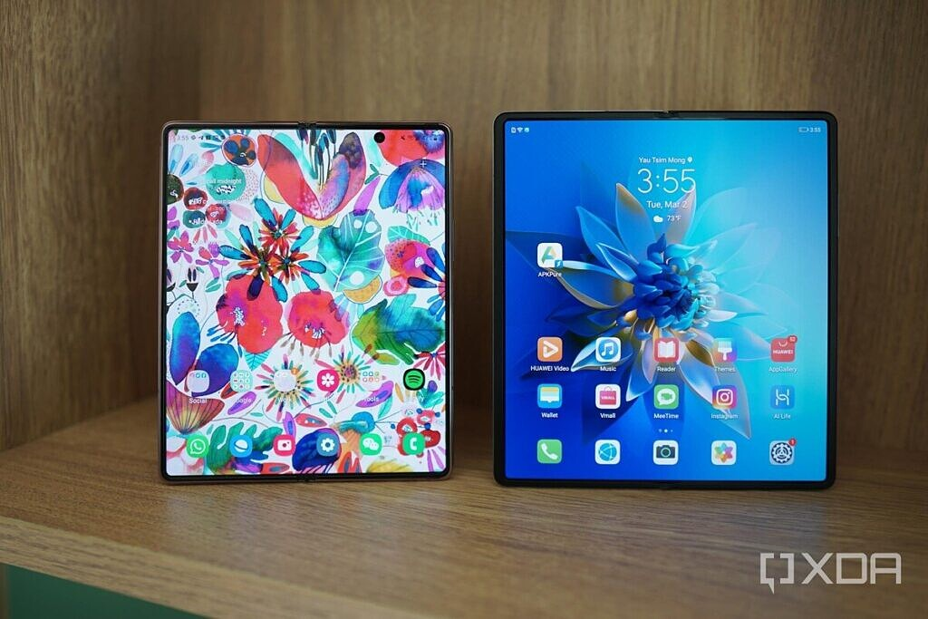 The Samsung Galaxy Z Fold 2 (left) and the Huawei Mate X2