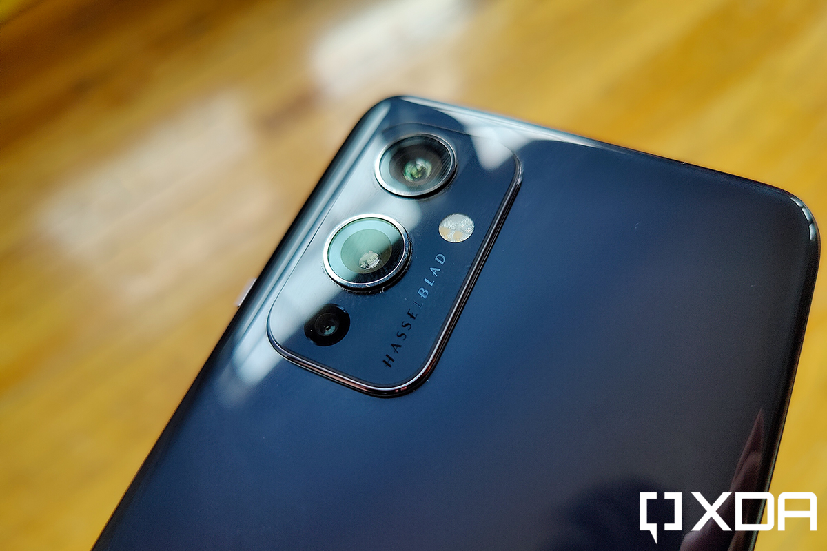 OnePlus 9 and 9 Pro receive OxygenOS 11.2.4.4 builds with April security patches and camera enhancements
