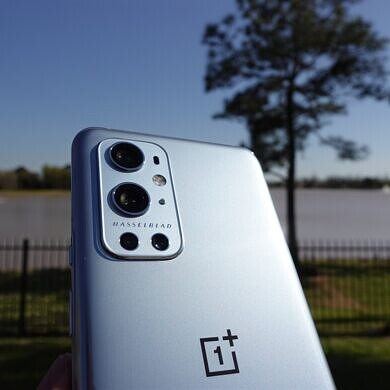 OnePlus 9 and OnePlus 9 Pro get their first OxygenOS update right after launch
