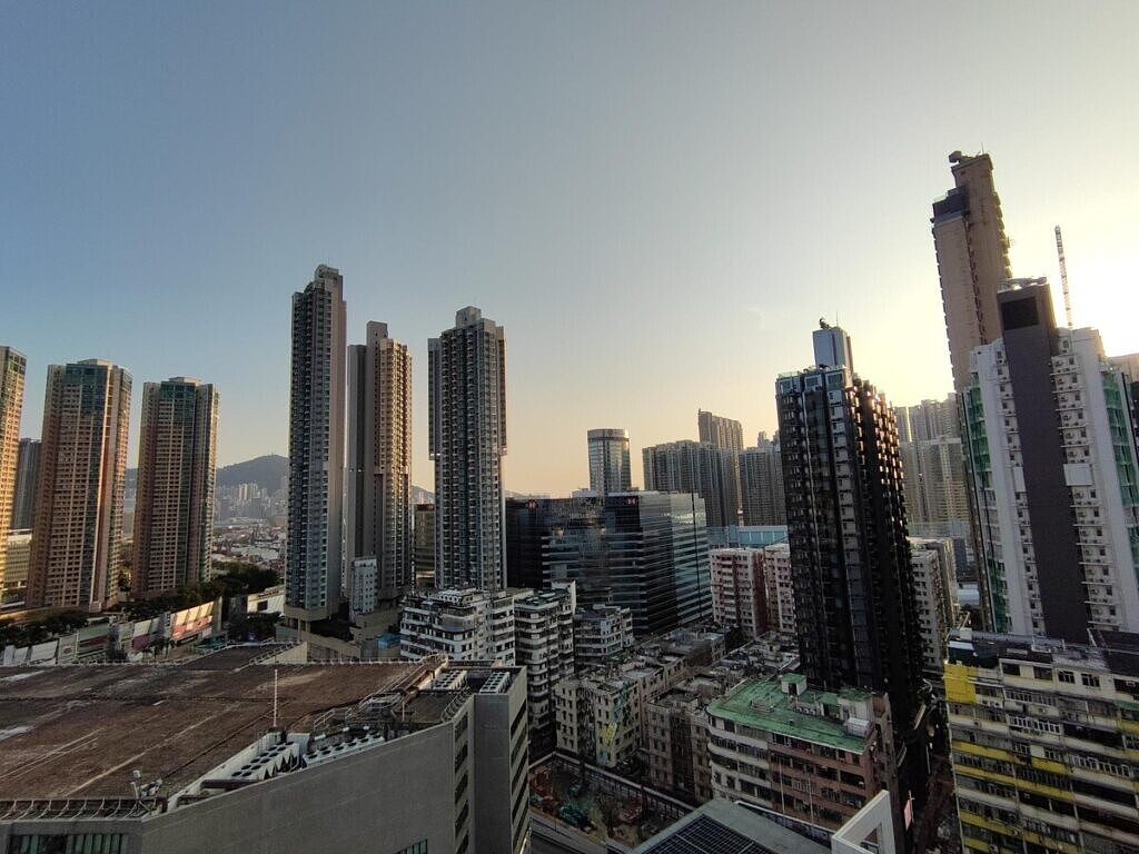 Ultra-wide image shot with the Xiaomi Mi Mix Fold.