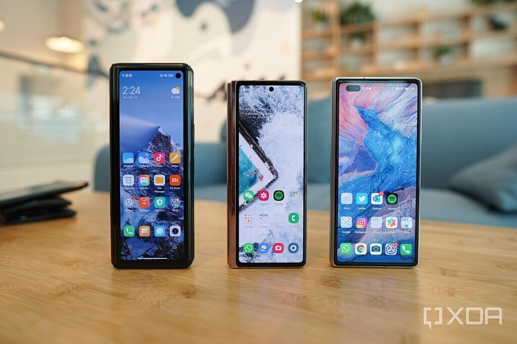 The three foldables phones from Xiaomi, Samsung and Huawei
