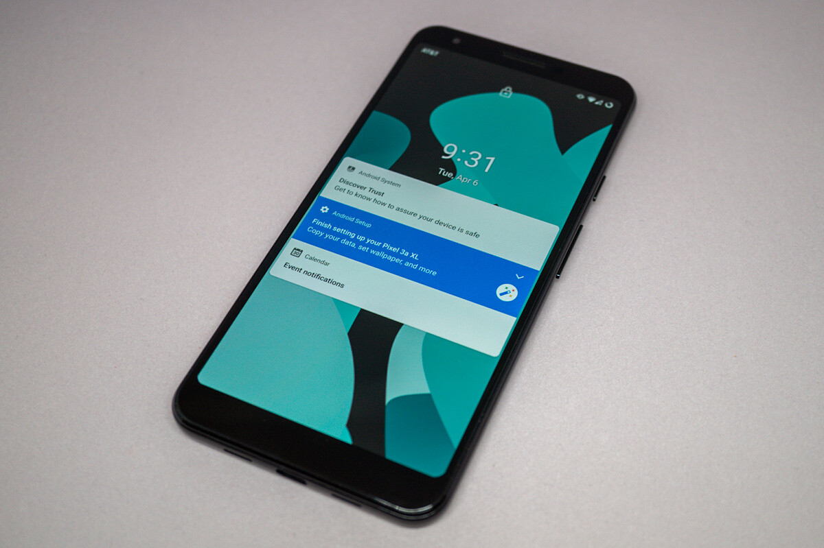 LineageOS 18.1 on the Pixel 3a XL