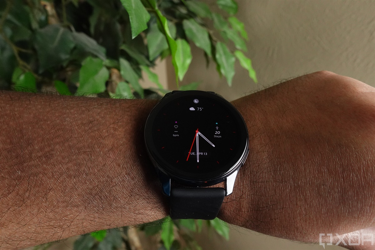 The first update of the OnePlus Watch promises several improvements