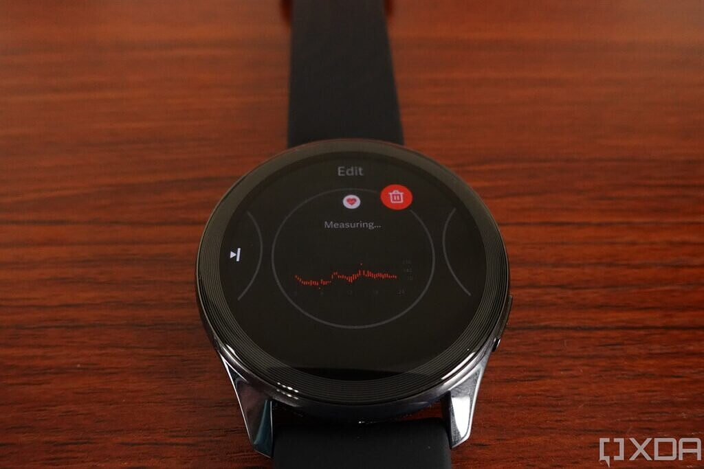 OnePlus Watch heart rate detection