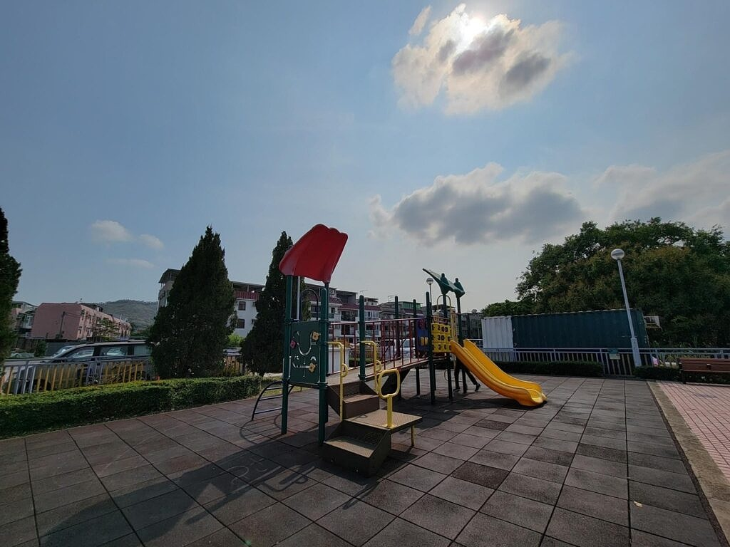 An ultra-wide angle photo captured by the S21 Ultra.