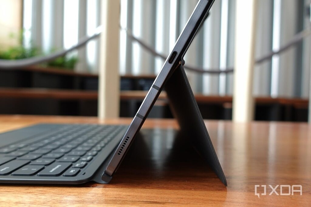 Samsung's first party keyboard case for the Tab S7.