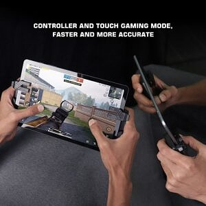 Gamesir F7 Claw Bluetooth controller in action