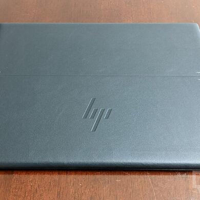 XDA Basics: How to clean and maintain the vegan leather on HP Elite Folio