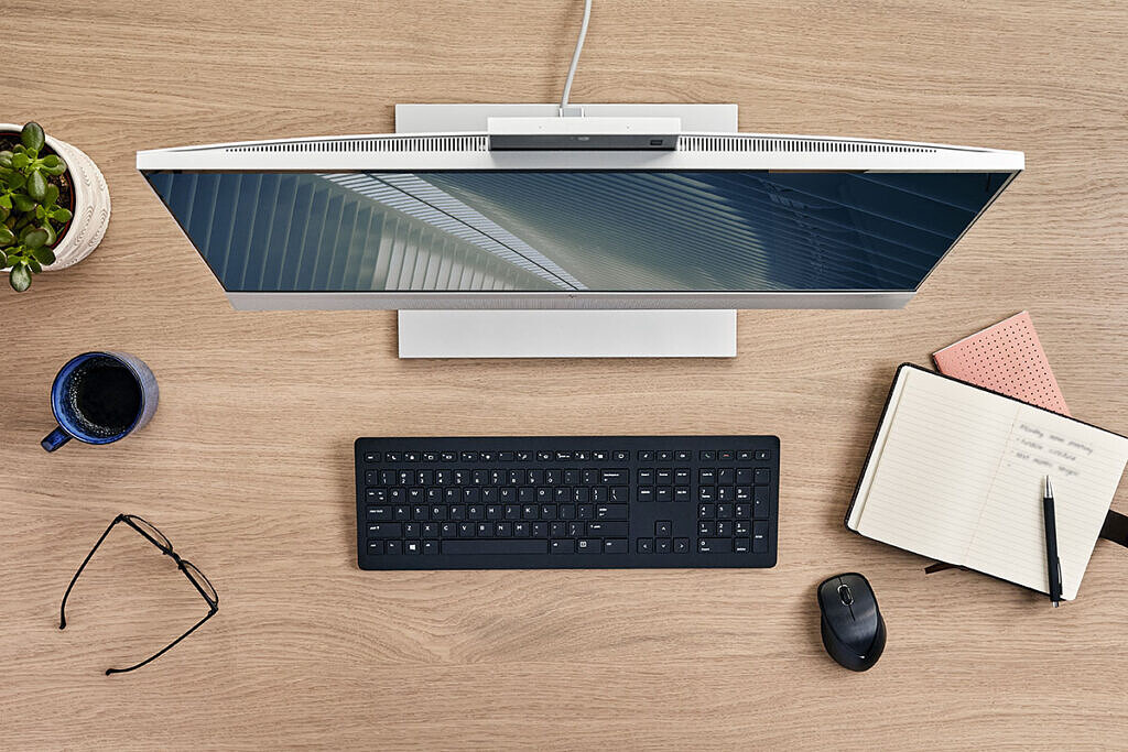 HP EliteOne 800 G8 All-in-One top-down view